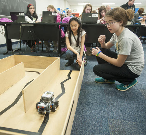 Stem School Prom: More Than 200 Attend Girls-only Naval Academy STEM