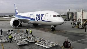 Boeing Dreamliner resumes flight to Poland after emergency landing