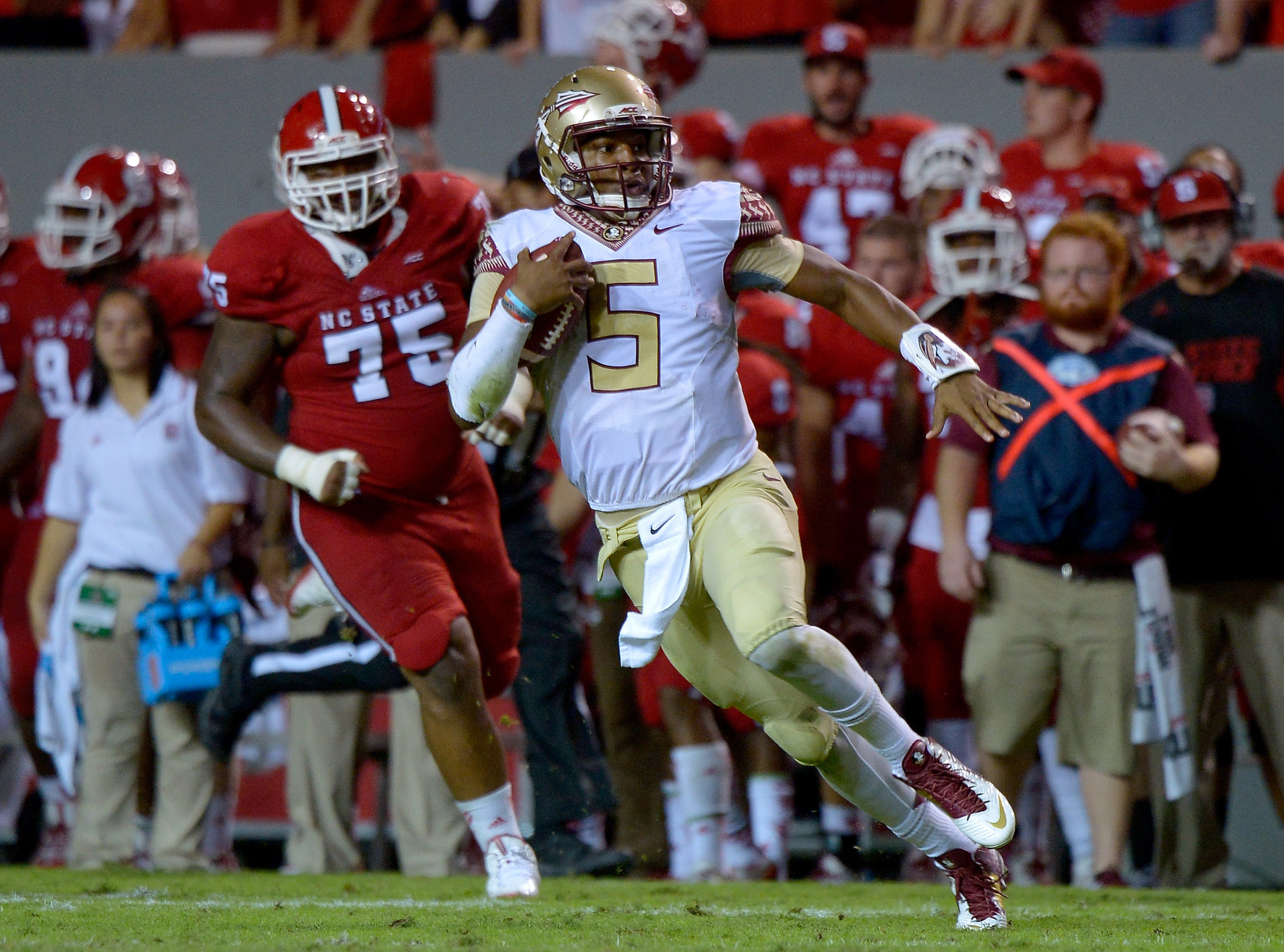 jameis winston outplays jacoby brissett in