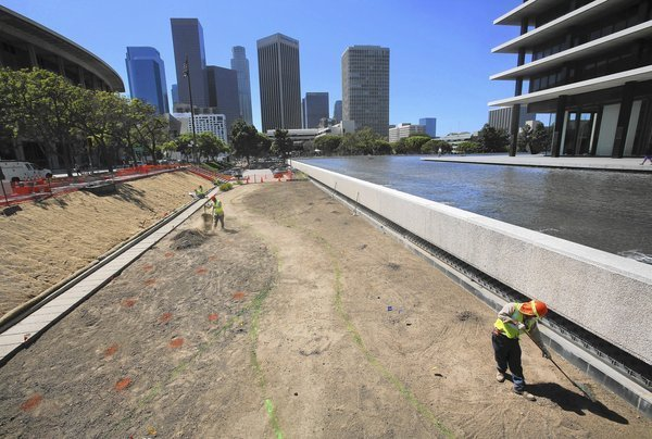 Drought-conscious residents turn the water tables on public agencies