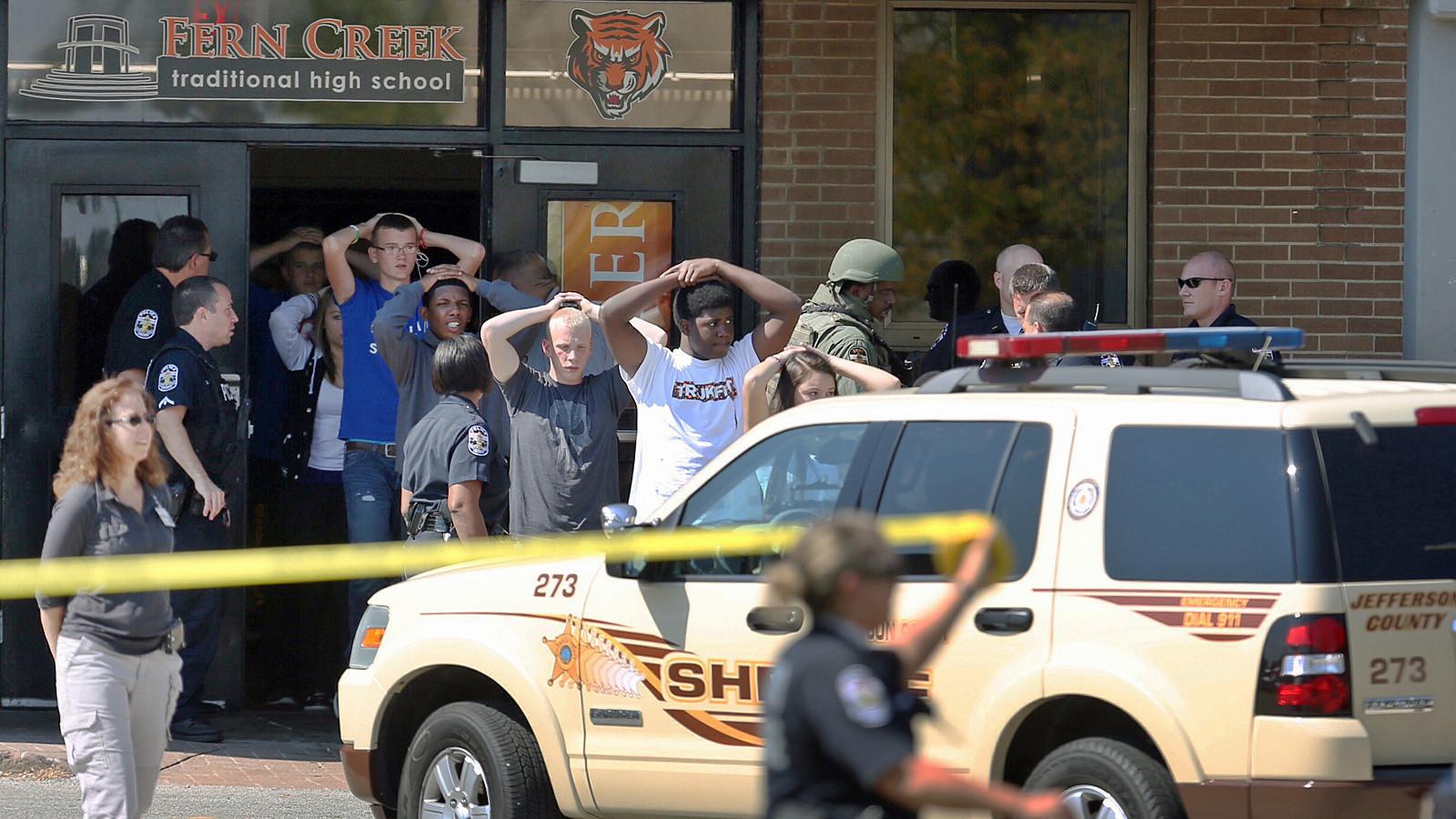 In Kentucky, student injured following shooting; gunman flees