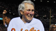On night before ALDS, Brooks Robinson visits