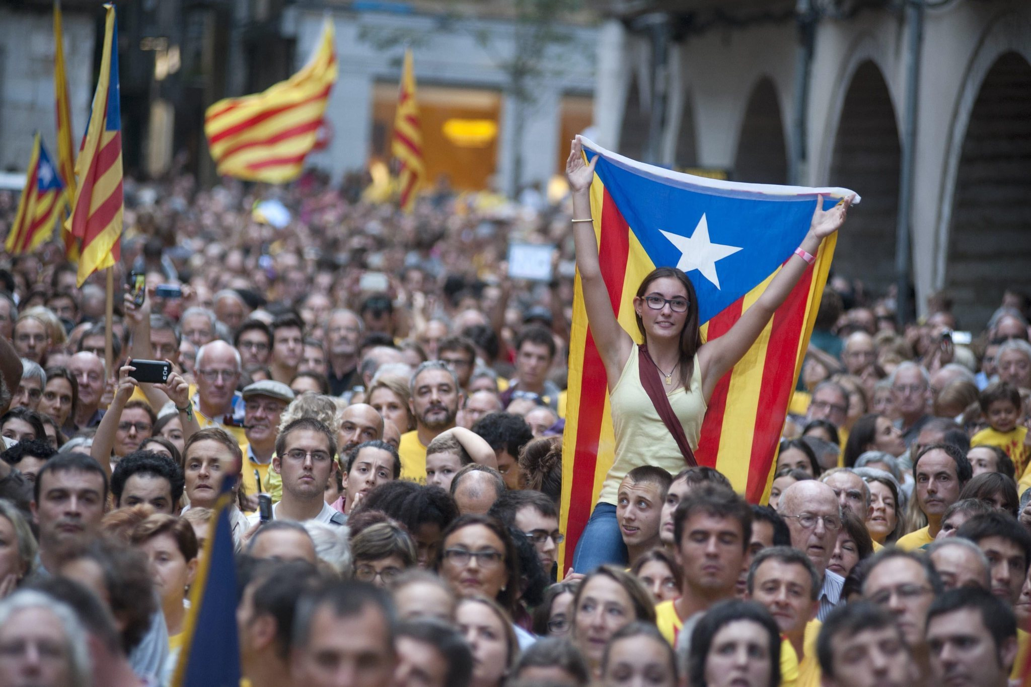 Over 180,000 Catalonian Independence Protesters March on