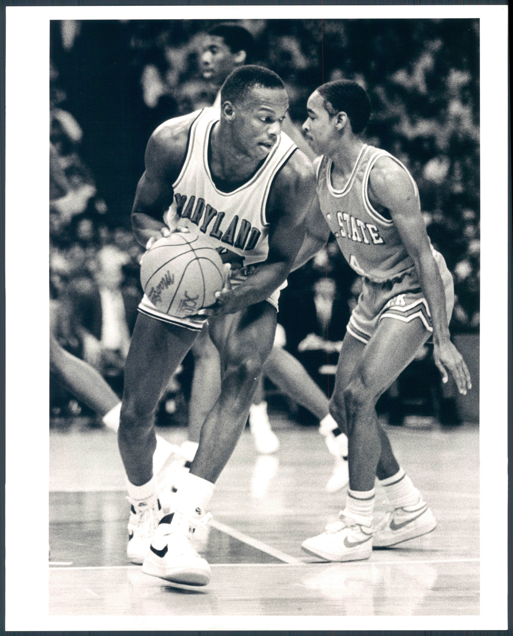 len bias Accolades: acc athlete of the year (1986), acc player of the year (1985–86) len bias was the total package for maryland in his senior year, bias averaged 23 ppg.