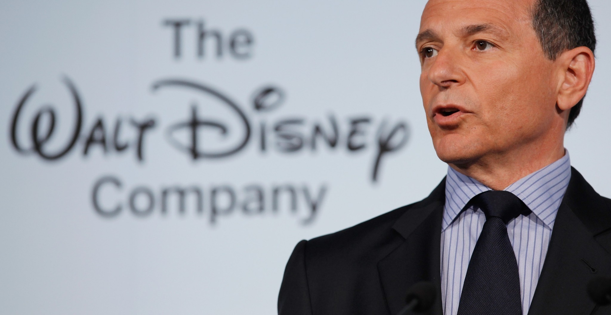 bob iger and disney The disney ceo and most powerful person in entertainment opens up about his plan for a netflix rival, espn's politics problem and how #metoo has changed his company walt disney co ceo bob iger.