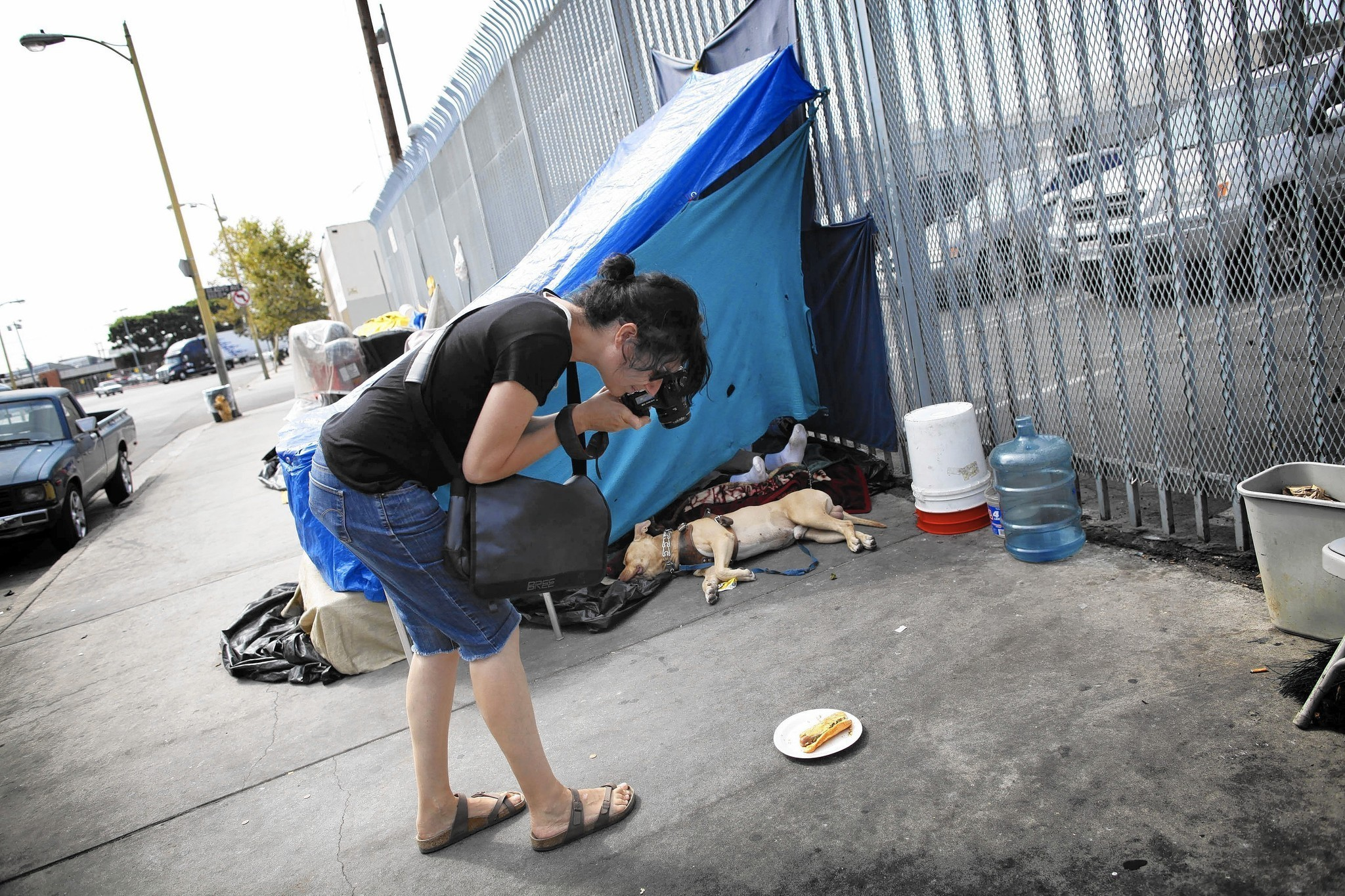 Artists Find Inspiration Among Homeless In L A S Skid Row