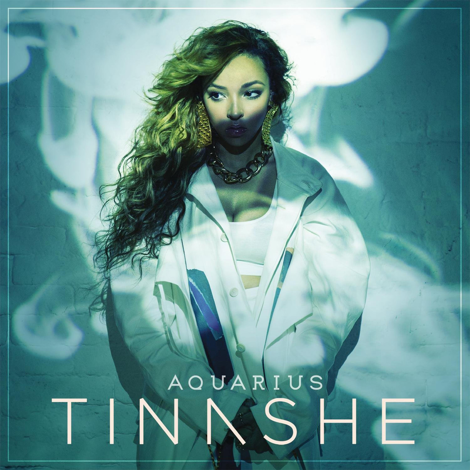 [Image: la-et-ms-pop-reviews-tinashe-aquarius-20141007]