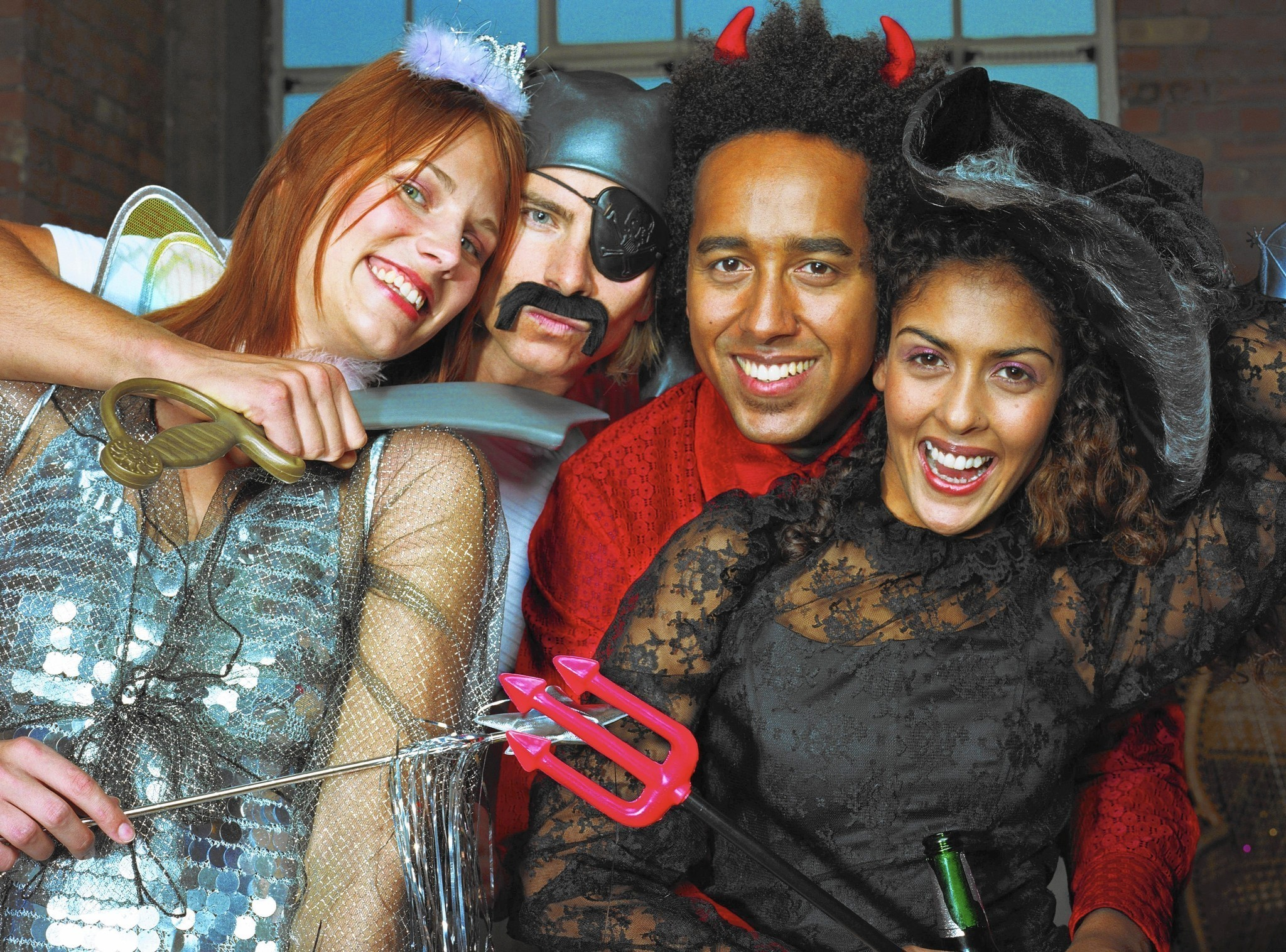 Looking for love at a Halloween party - Chicago Tribune