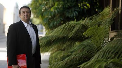 Lawsuit alleges Glendale councilman caused firing of antismoking hospital worker
