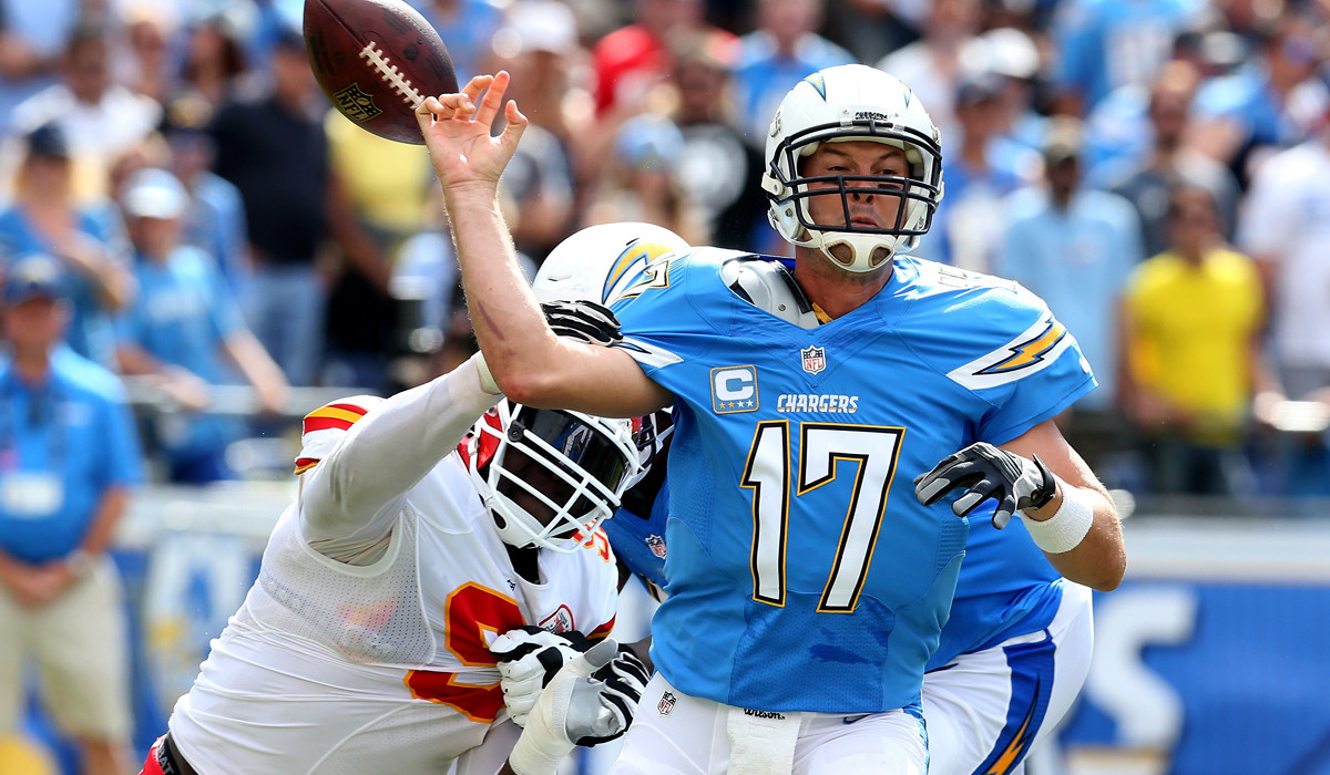 Chiefs Beat Chargers On Late Field Goal Raiders Lose 12th