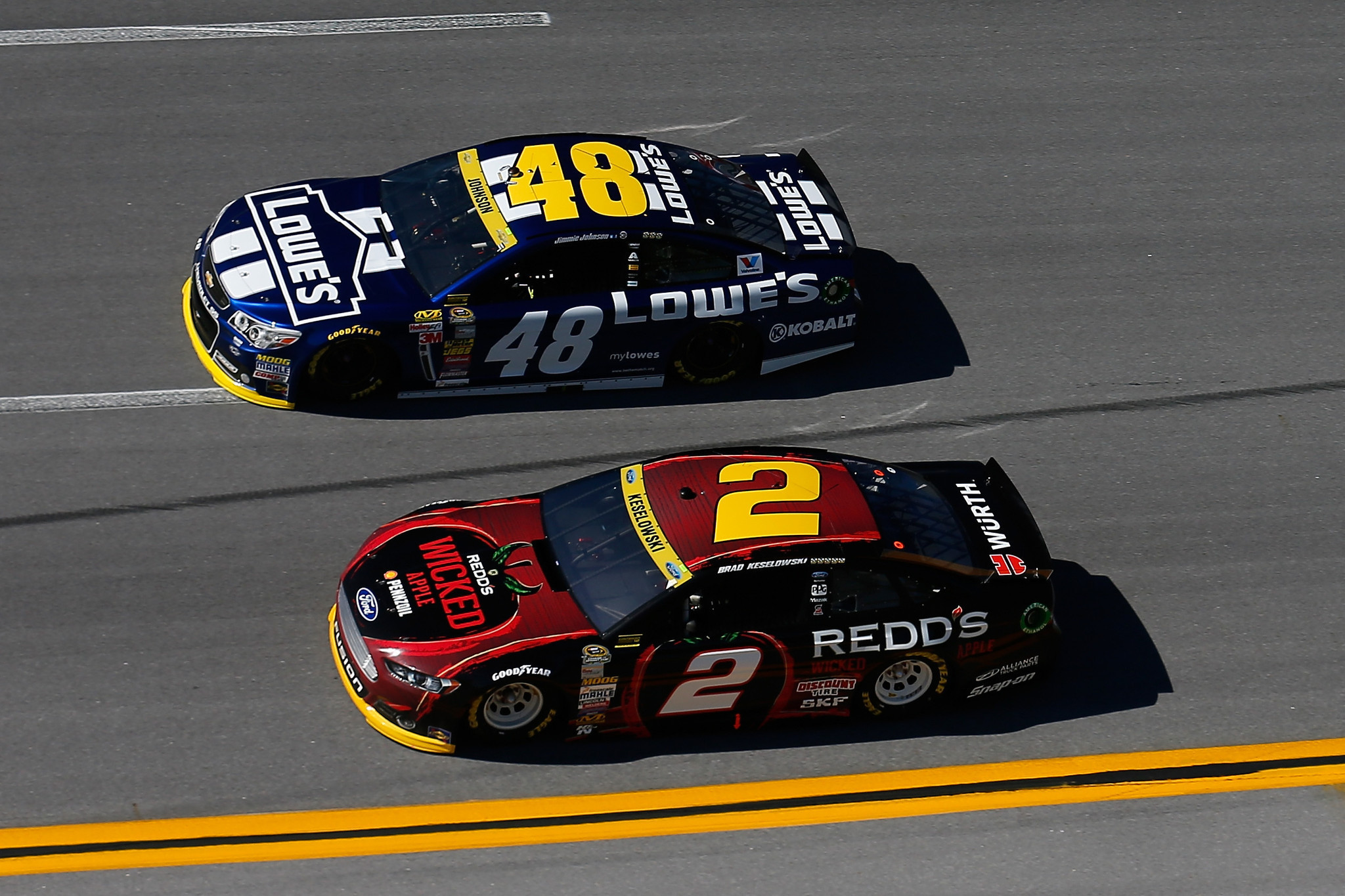 brad keselowski squeezes out dale earnhardt jr jimmie johnson after win at talladega allows. Black Bedroom Furniture Sets. Home Design Ideas