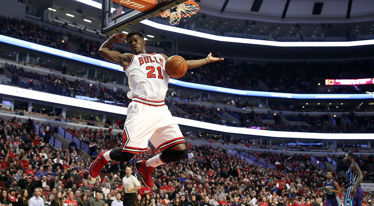 Rose gets 4th-quarter minutes and delivers in Bulls' win