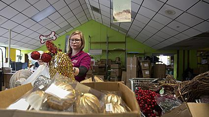 Video: Local business hires seasonal employees