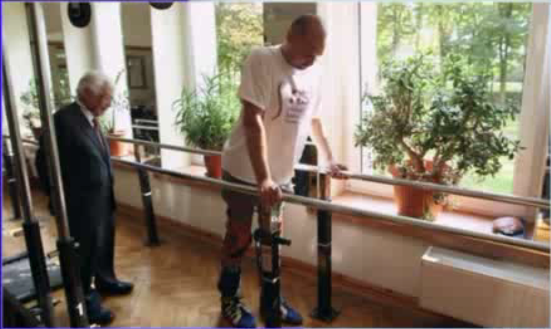 Paralyzed man walks after nose cells placed in spine