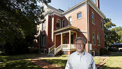 Video: Neighbors want city to accept donation of historic house