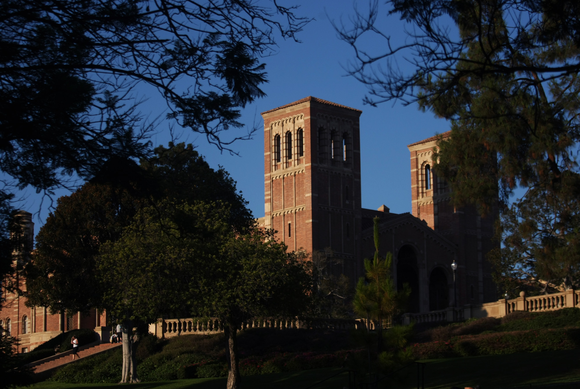 UC leaders consider limiting out-of-state enrollment