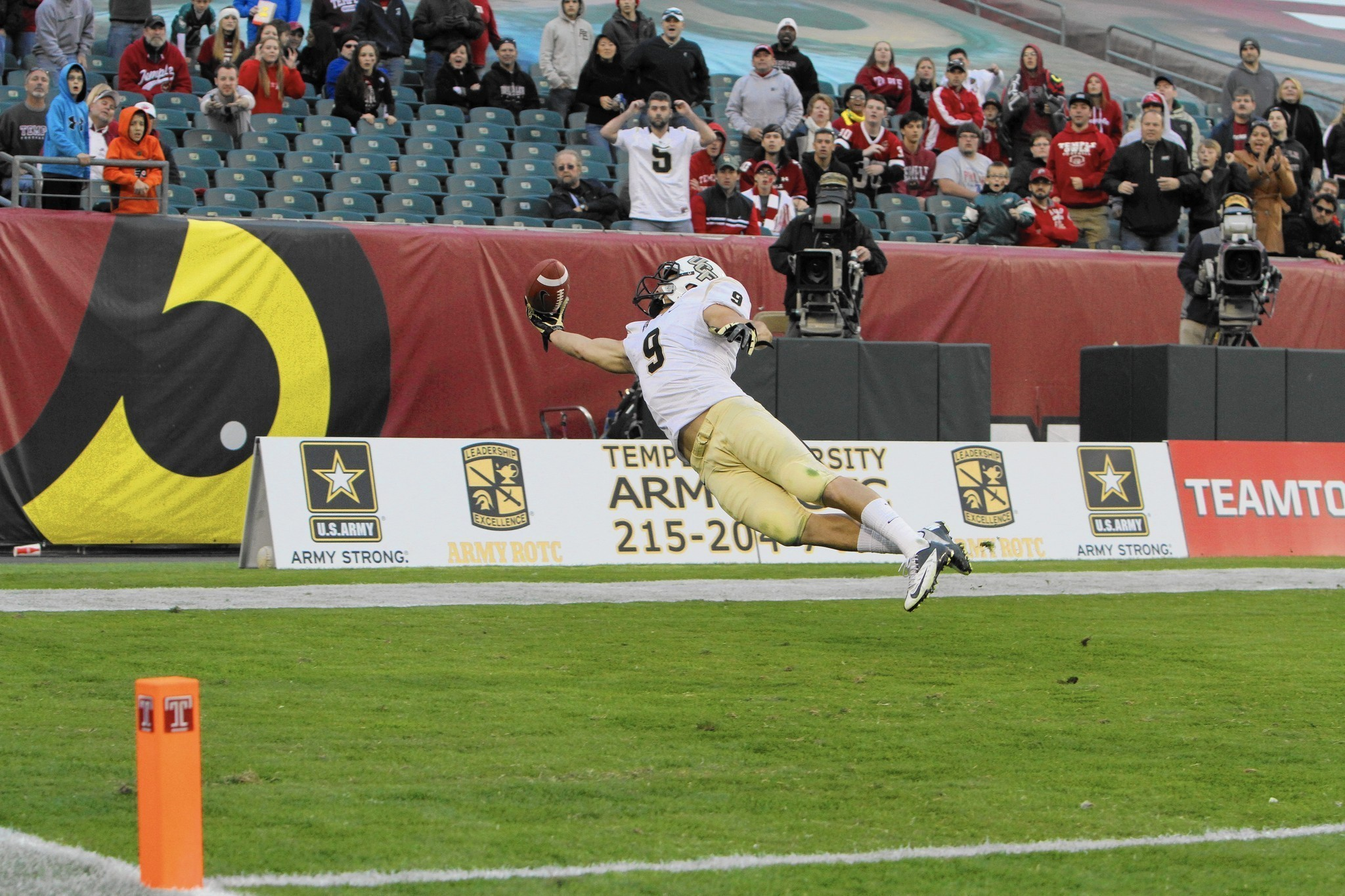 The Catch Vaults Ucf S J J Worton Into Spotlight After Years Of