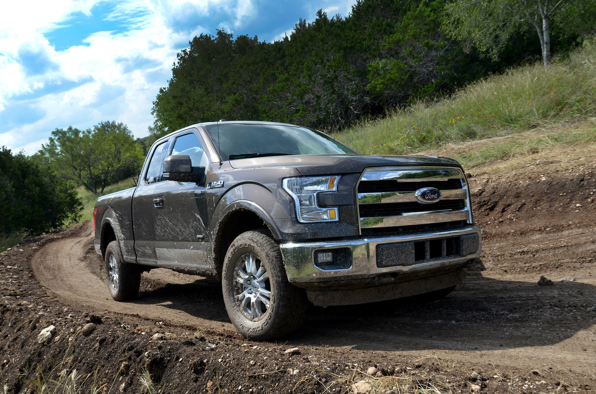 Ford profit falls in third quarter on truck costs