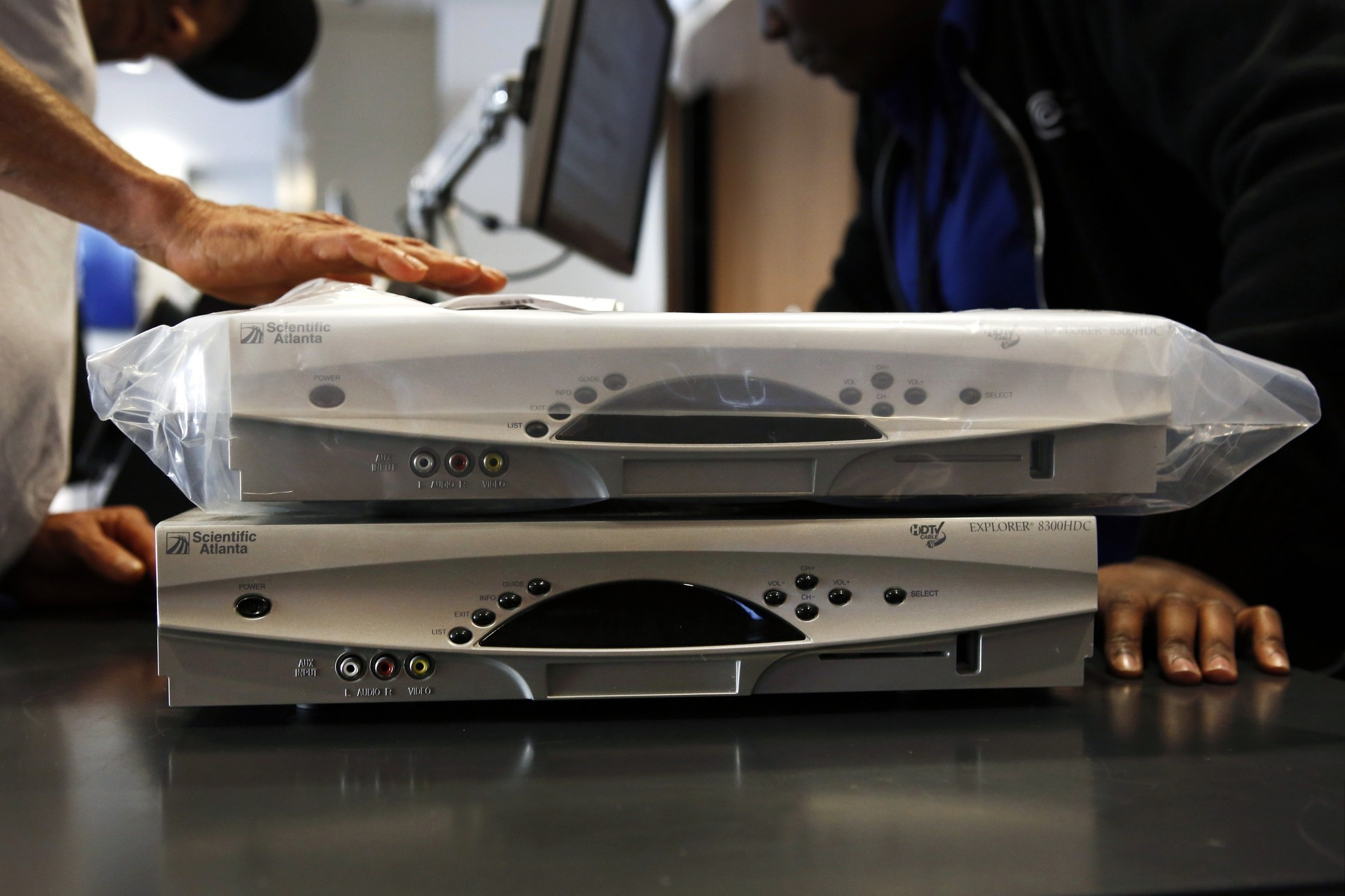 & Can you go to Best Buy for Time Warner Cableu0027s new box? - LA Times Aboutintivar.Com