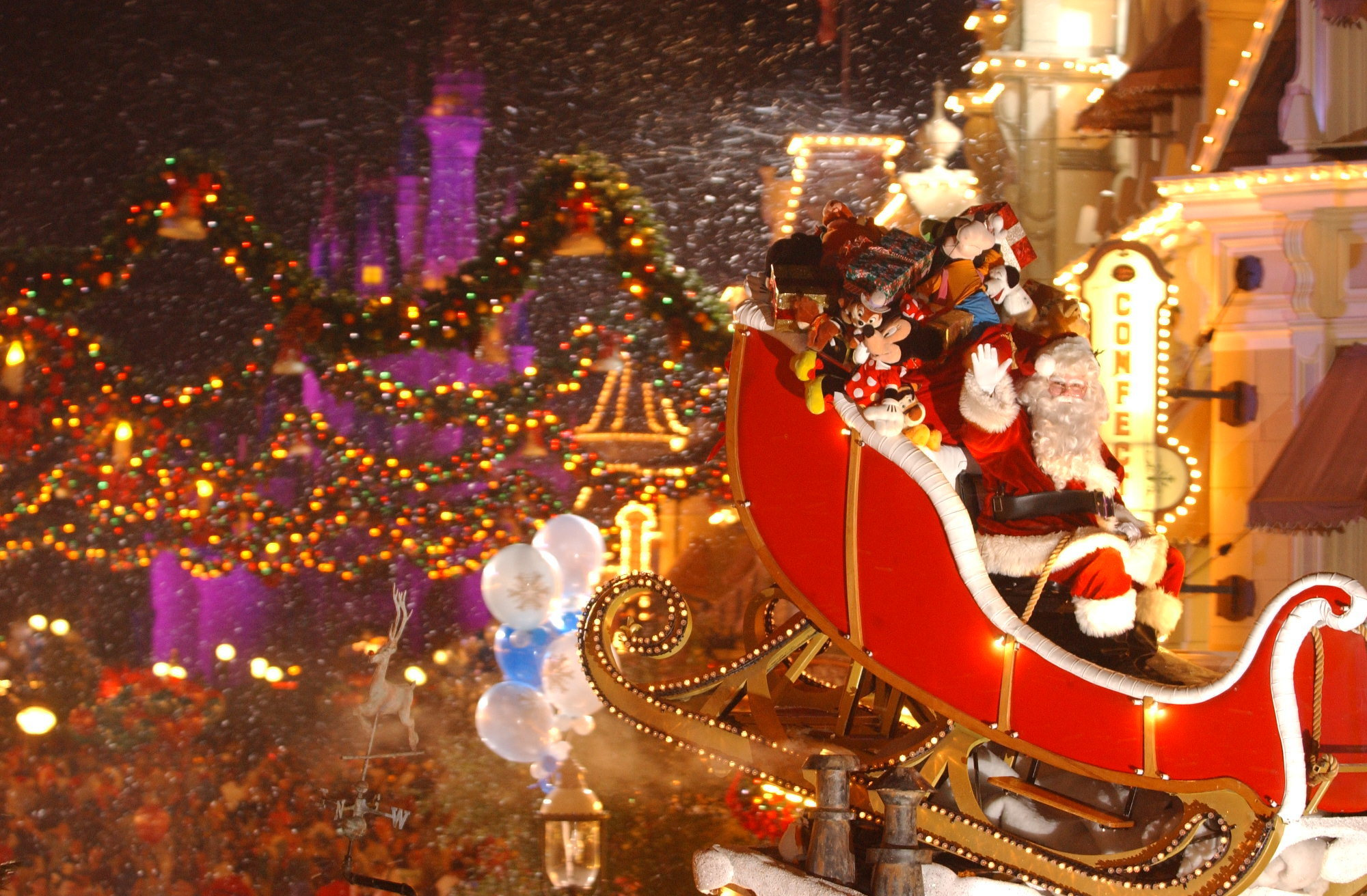 first night of disneys very merry christmas party sold out orlando sentinel - Disney Christmas Party