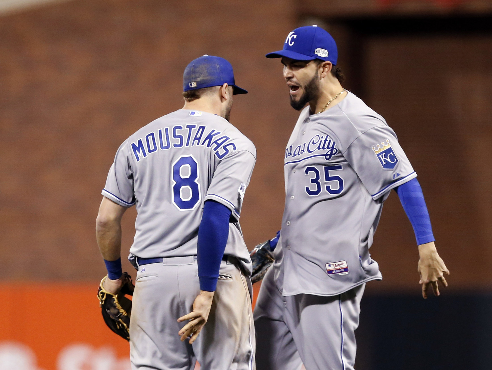 Royals take series lead with 3-2 win over Giants