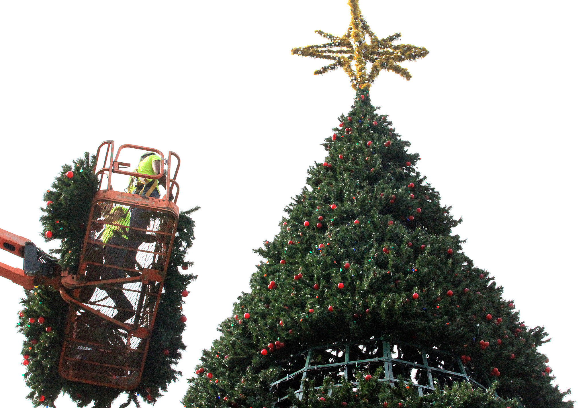 Building Delray\'s 100-foot Christmas tree turns into labor of love ...