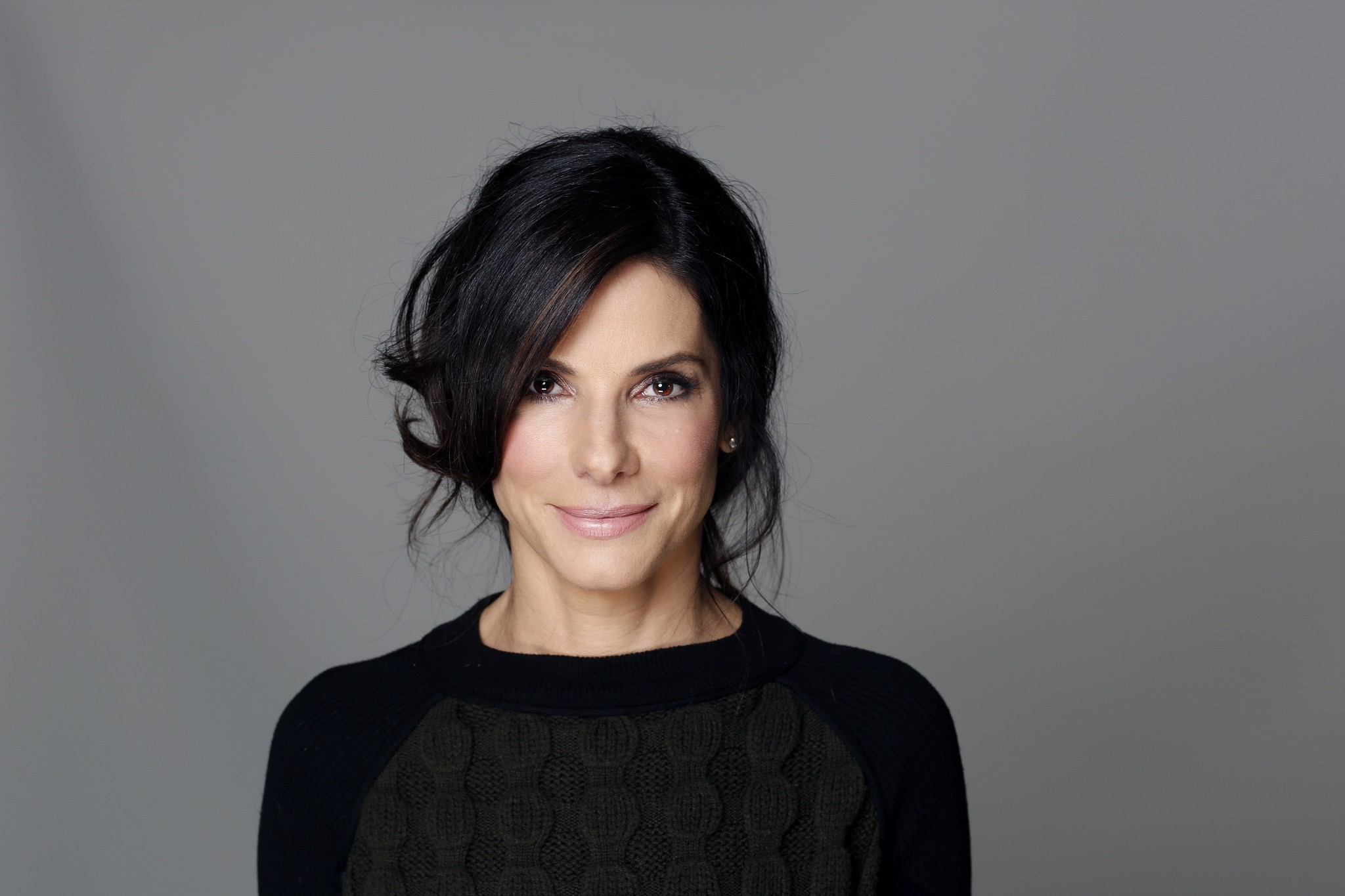Sandra Bullock helps treat film extra suffering from heat stroke - LA ...