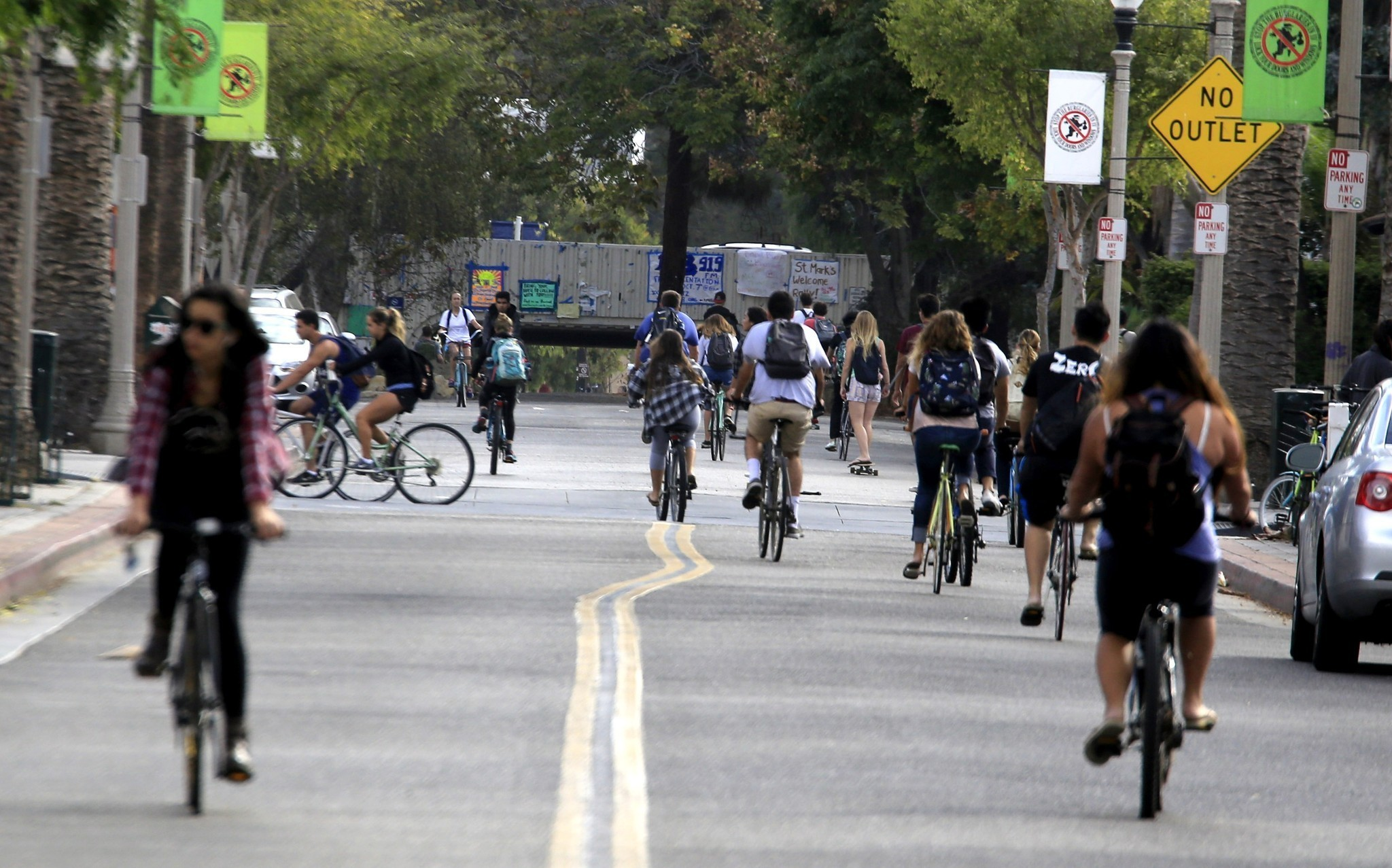 authorities seek to discourage halloween problems in isla vista la times - Uc Santa Barbara Halloween