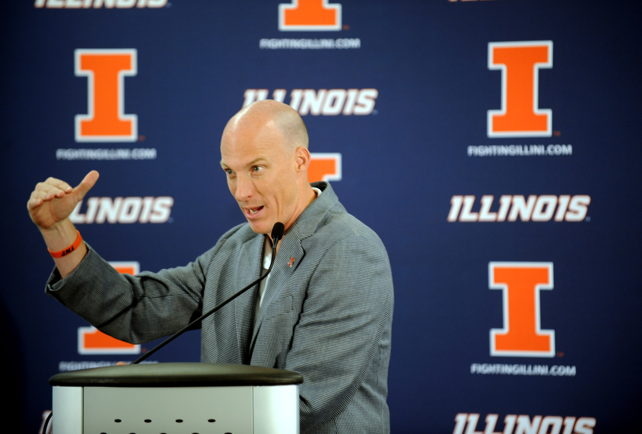 Illini basketball finds temporary home for 2015-16 start
