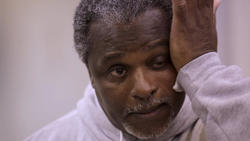 Prosecutors free inmate in pivotal Illinois death penalty case