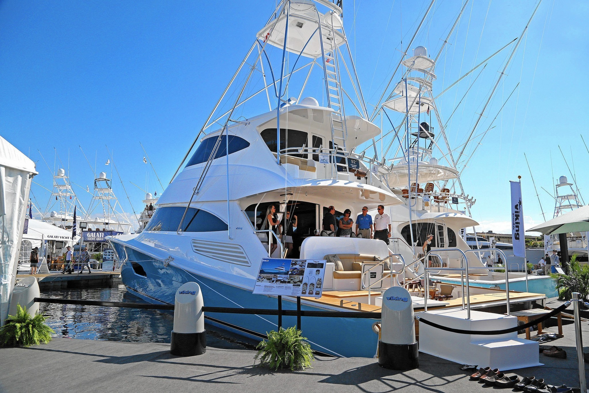 viking 92 convertible debuts at fort lauderdale boat show