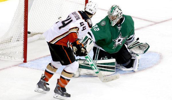 Nate Thompson finds the sweet spot in Ducks' 2-1 overtime win