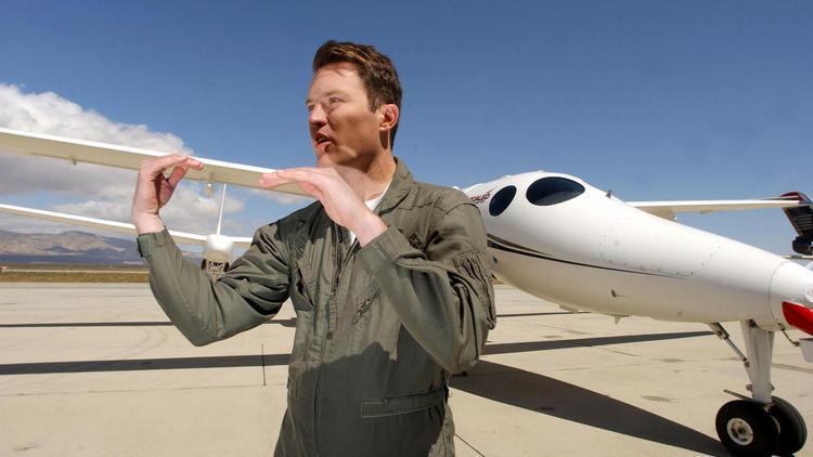 Richard Branson to meet Virgin Galactic space team after crash