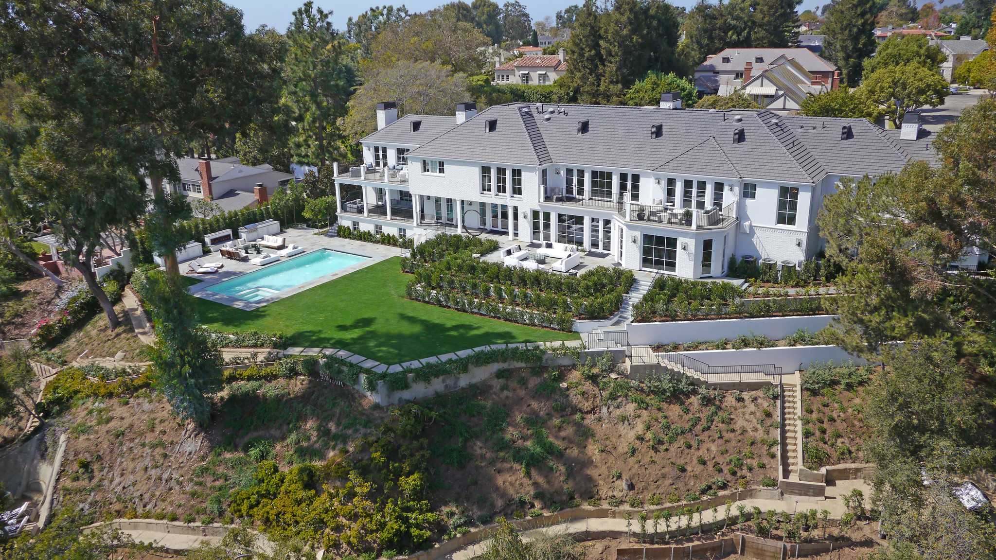 Home of the day east coast style in pacific palisades for Real estate pacific palisades