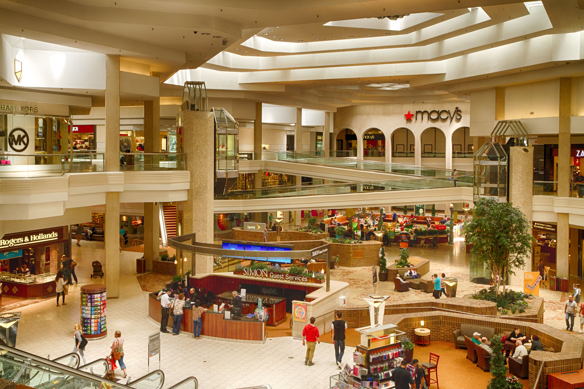 Woodfield Mall is located in Schaumburg, Illinois and offers stores - Scroll down for Woodfield Mall shopping information: store list (directory), locations, mall hours, contact and address. Address and locations: 5 Woodfield Shopping Center, Schaumburg, Illinois - IL - /5(11).