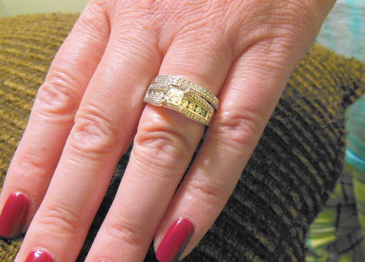 Trick-or-treaters return wedding ring found in Halloween candy ...