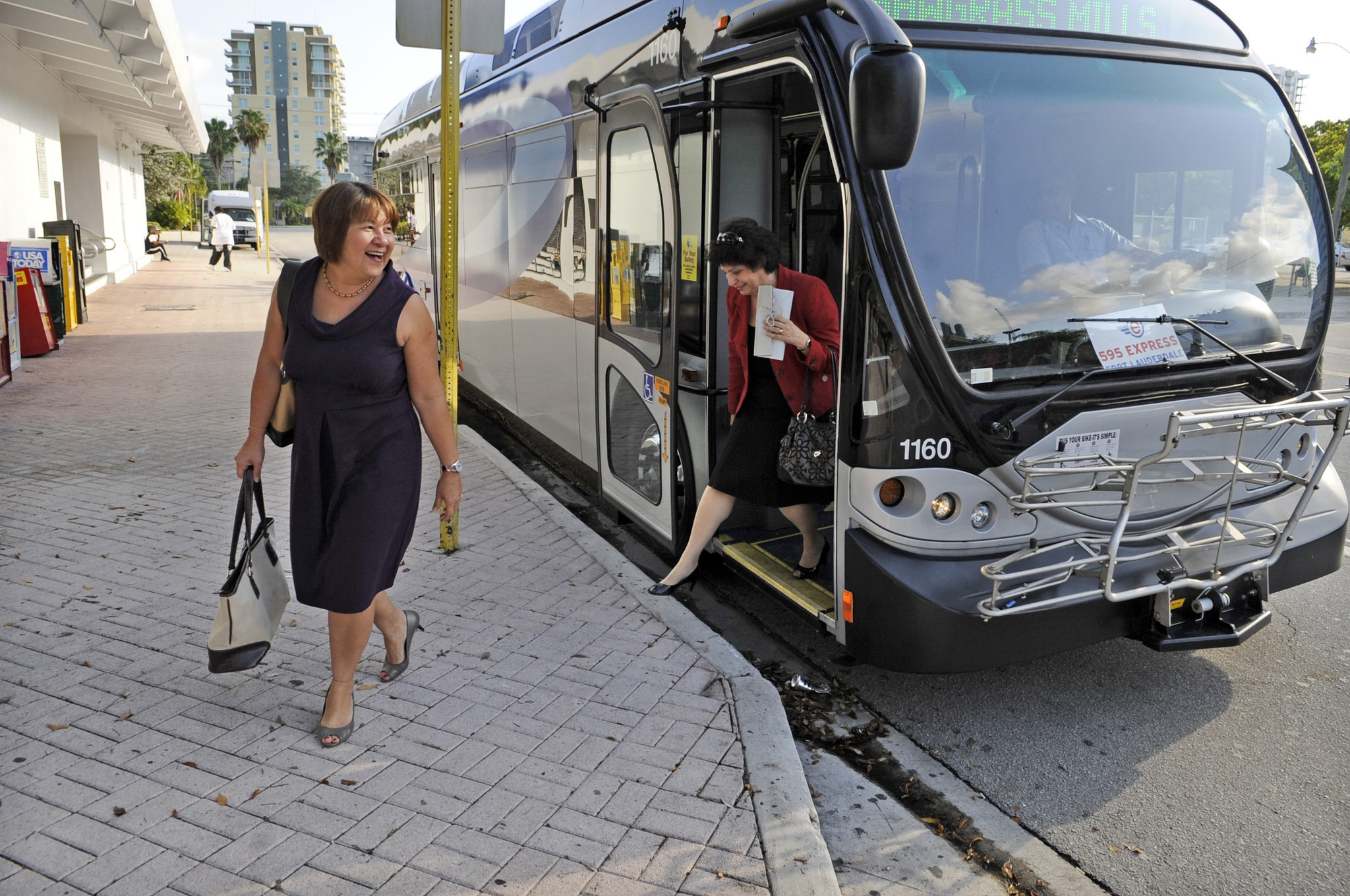 Broward County Transit - I-595: Broward County Transit moving premium buses to Miami routes. - Nov 10, 2014 ... Low ridership forces Broward County Transit to pull premium buses from Fort   Lauderdale I-595 express routes to Miami routes.
