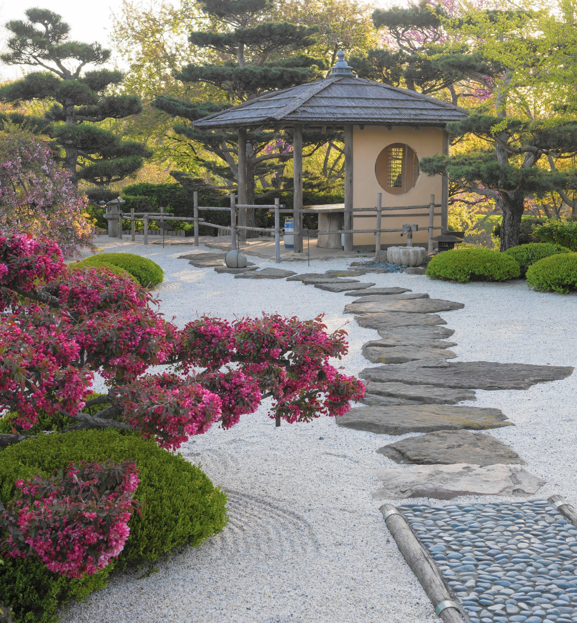 re creating a japanese garden in your own yard chicago tribune - Japanese Garden