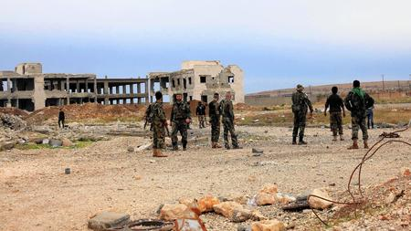 Syrian troops near Aleppo