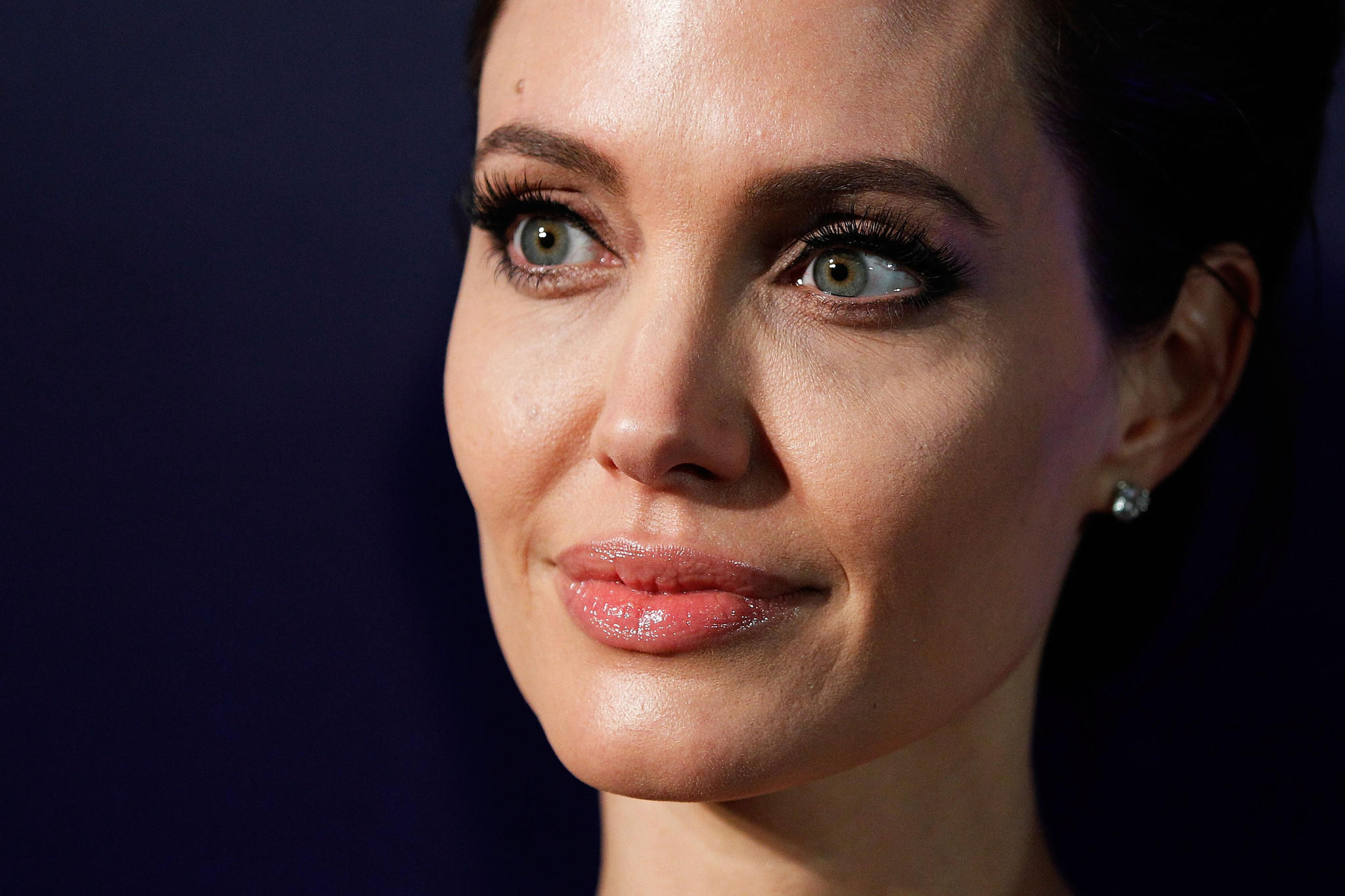 Vanity Fair defends Angelina Jolie story about 'disturbing' game