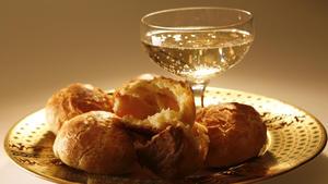 Gougères, Gruyère, piment d'Espelette