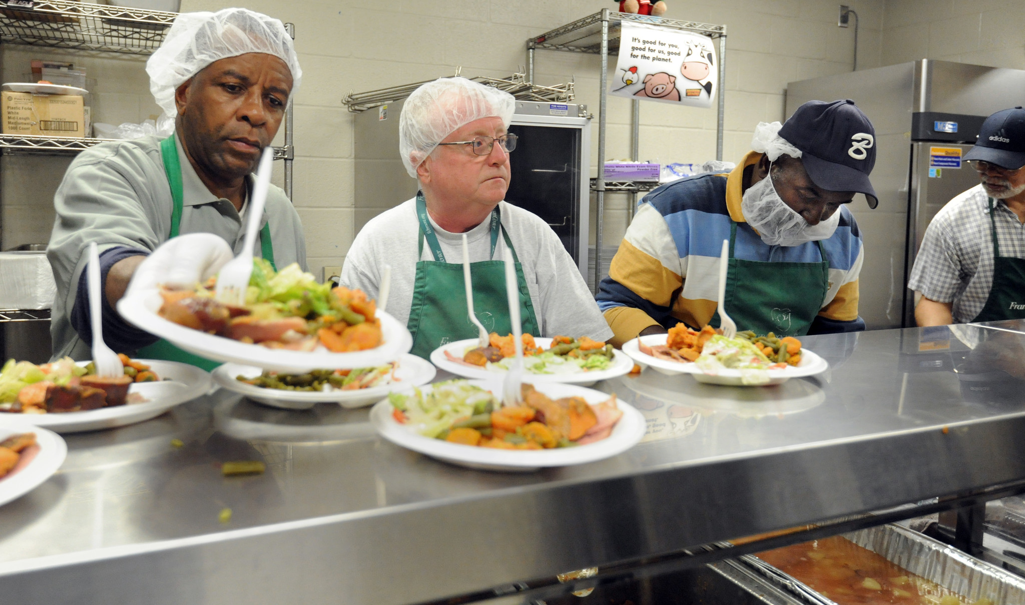 Opportunities to volunteer at the holidays are plentiful - Baltimore Sun