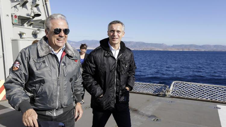 Jens Stoltenberg, Dimitris Avramopoulos