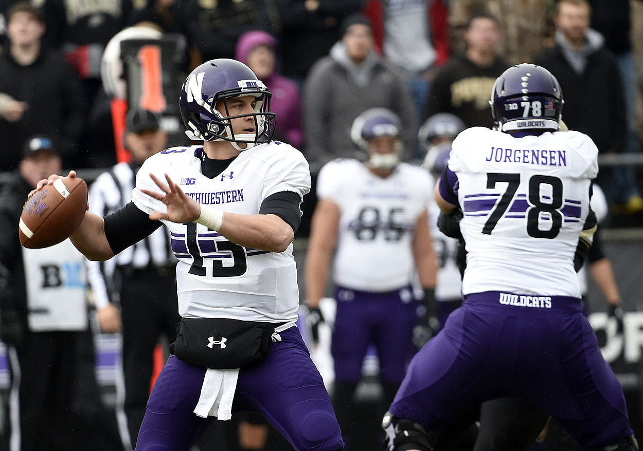 Northwestern Game Day: Trevor Siemian out but Wildcats lead 24-7 at half