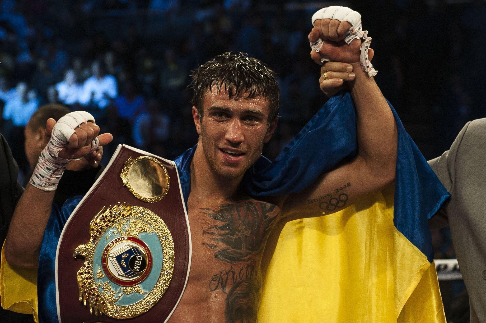 http://www.trbimg.com/img-5471a77b/turbine/la-sp-sn-boxing-vasyl-lomachenko-pacquiao-20141123