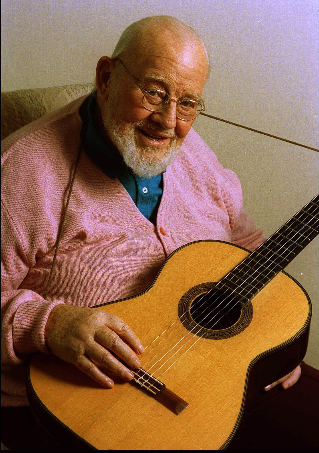 Burl ives folk singer oscar winner dies la times for The ives