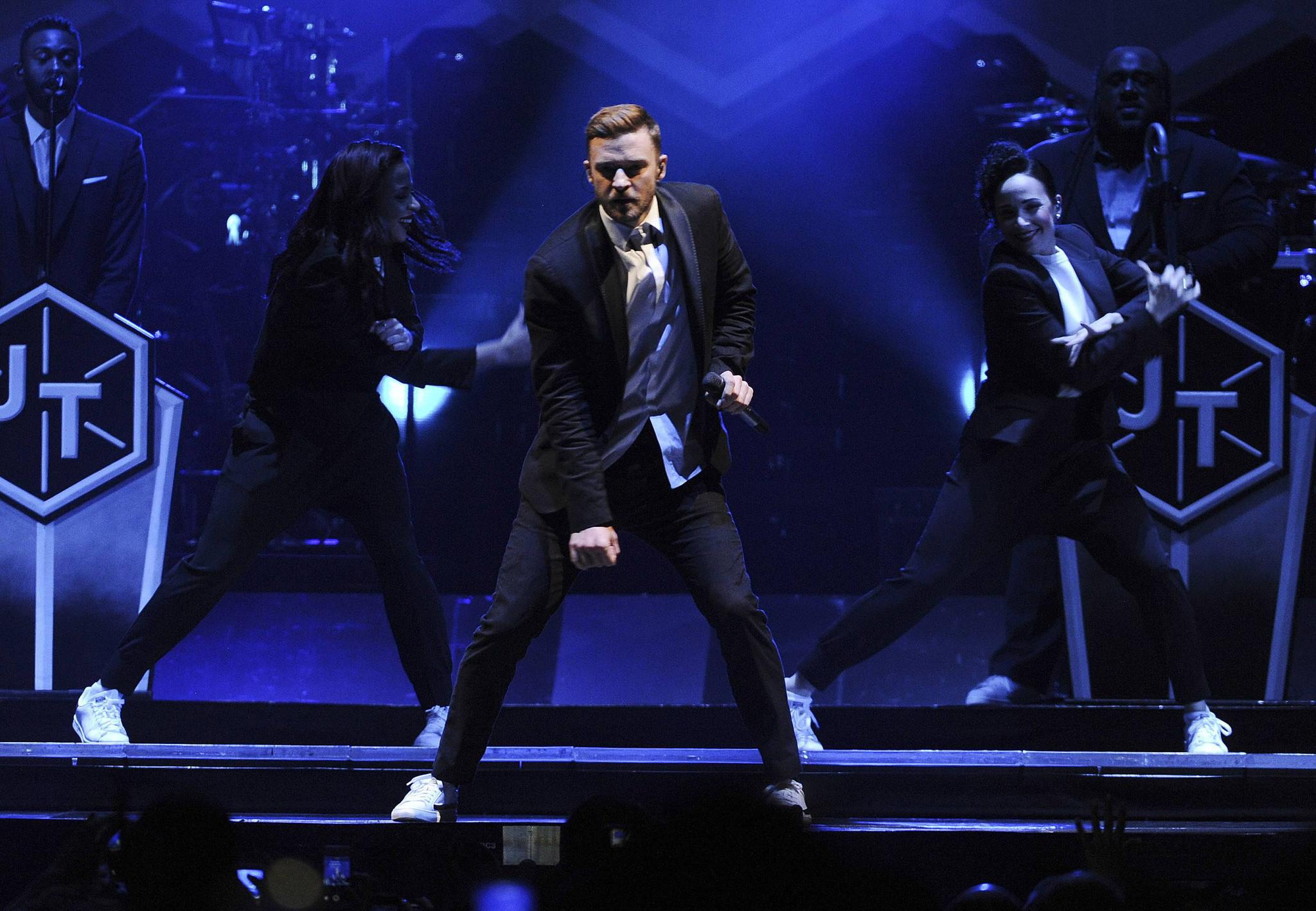 Review: Justin Timberlake brings intensity at the Forum ... Justin Timberlake Concert