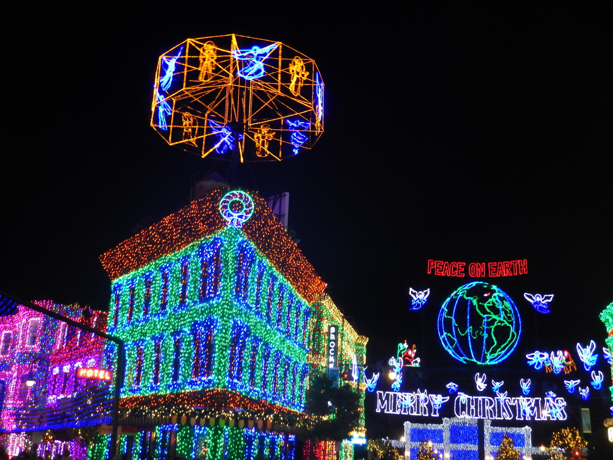 Charming Disney Pulls Plug On The Osborne Family Spectacle Of Dancing Lights    Orlando Sentinel