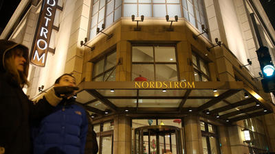 2 shot, 1 fatally, in Nordstrom on Michigan Avenue
