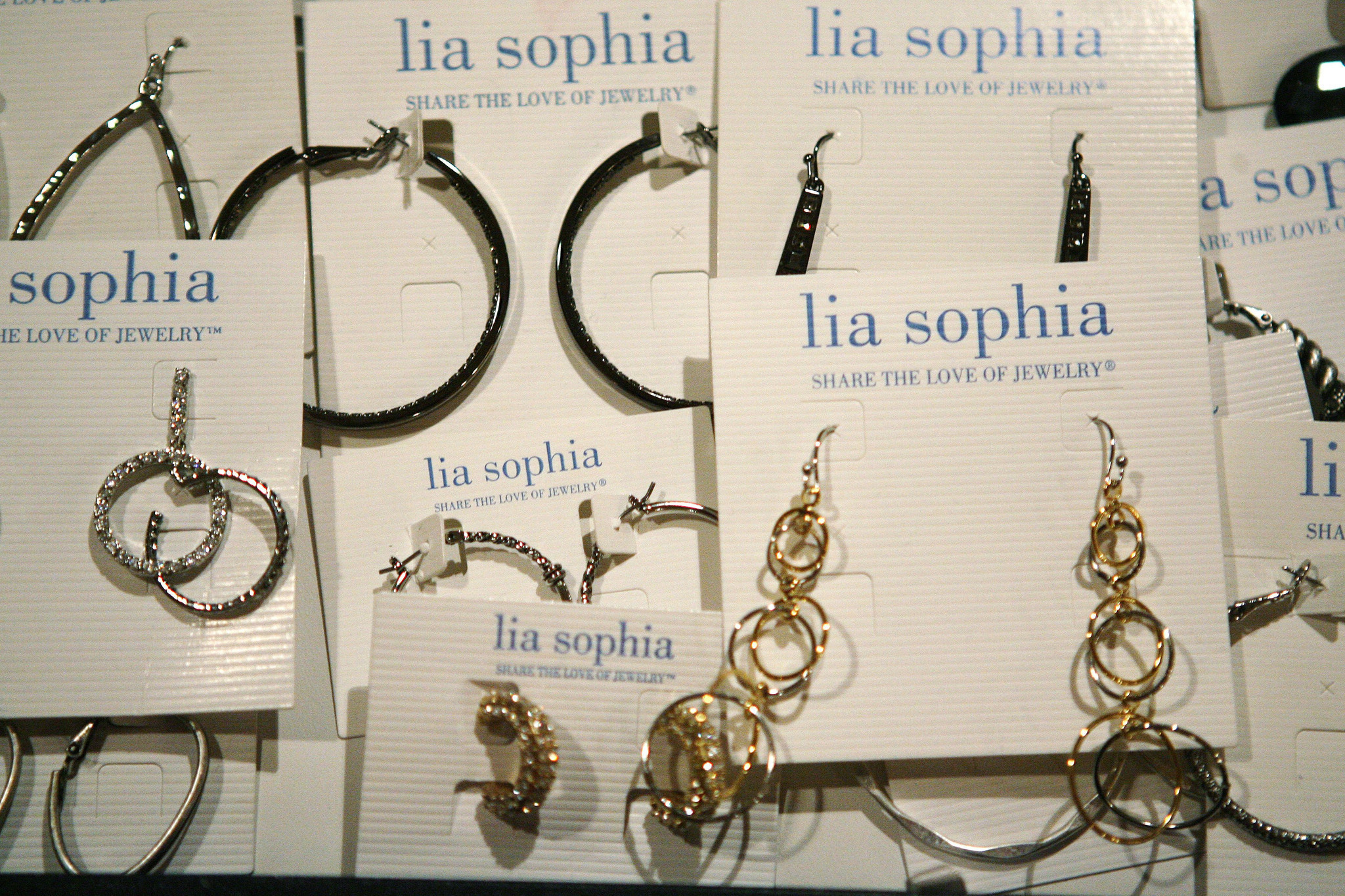 lia sophia going out of business 15 minute news